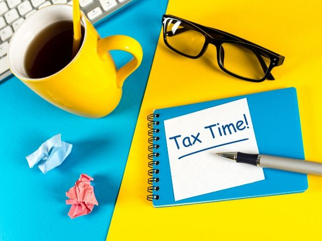 Tax Software vs Accountant for the Season