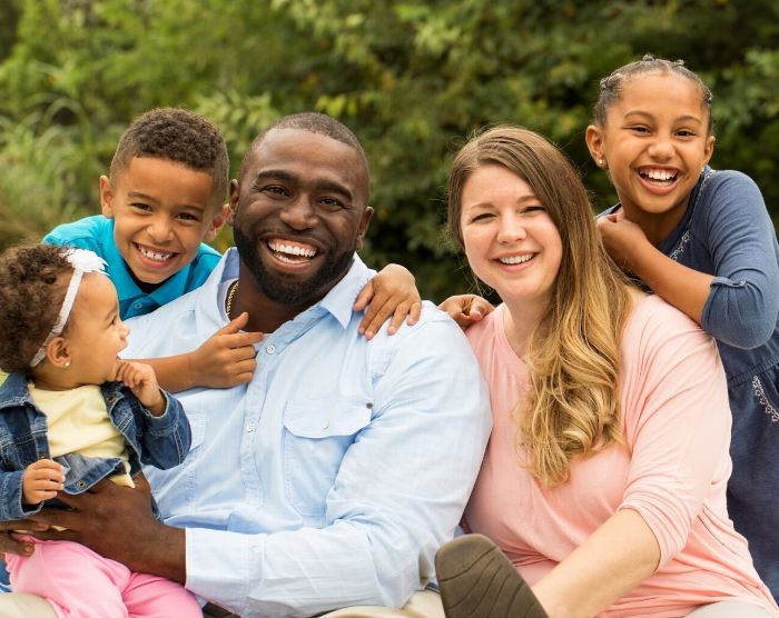 Family of Five taking advantage of the EIC Earned Income Tax Credit