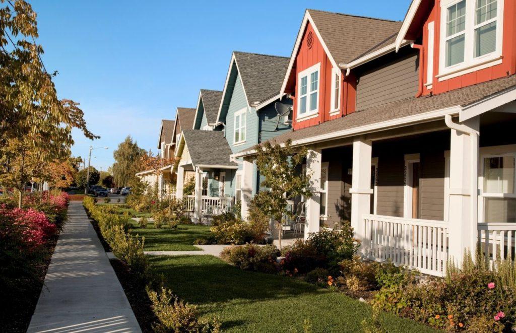 Suburban Neighborhood with HOA Fees